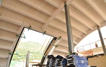 Struttura in elevazione con pilastri in acciaio HEB