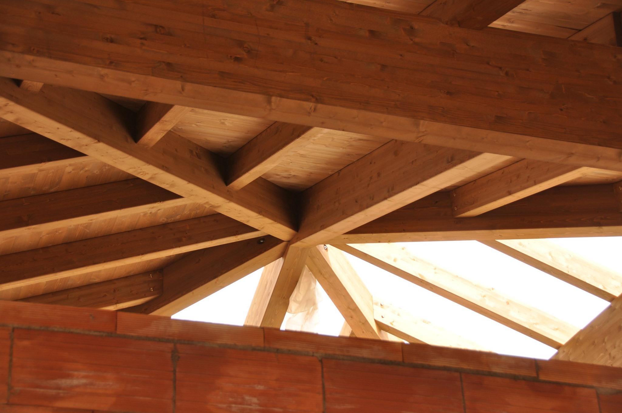 Strutture in legno for Velux tetto in legno